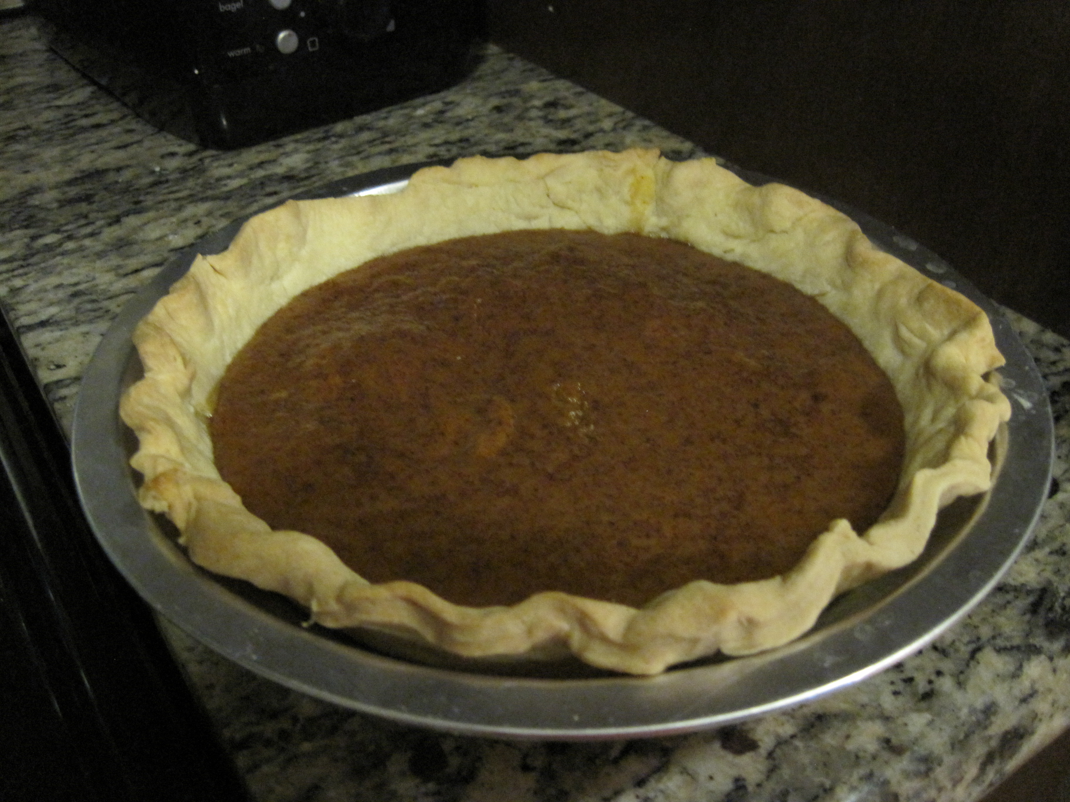 The little one I threw together when I had extra filling. Yes, I can throw together a pie. Everybody has to be good at something.