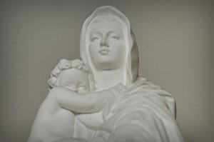 photo-prompt-98-statue-300x199